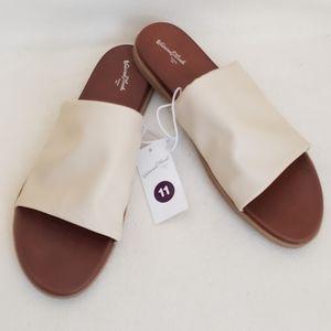 Universal Thread Sandals Womens Size 11